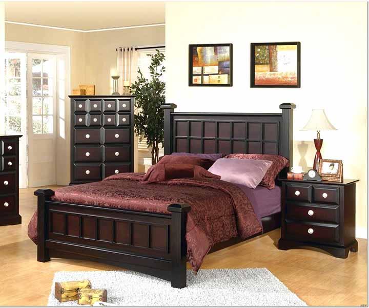 ترکیب رنگ قهوه ای و بنفش ارغوانی - ست کردن رنگ روتختی با تخت قهوه ای   کالای خواب بدروم