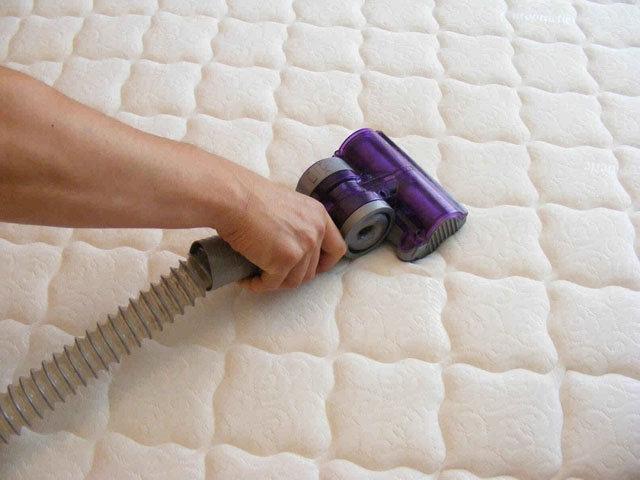 نکته سوم انتخاب تشک : نظافت تشک | کالای خواب بدروم